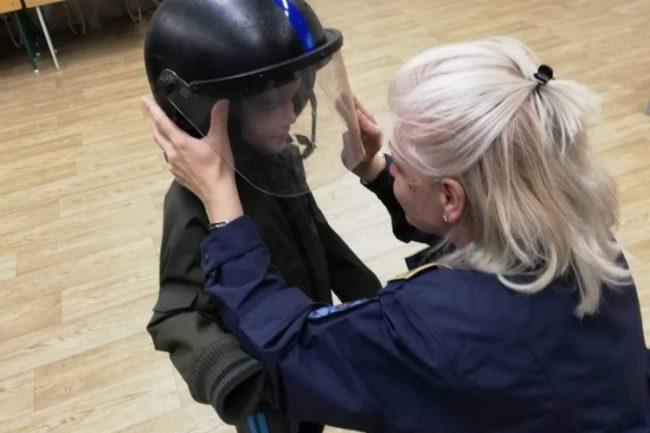 A rendőri hivatással ismerkedtek a mátészalkai iskolások