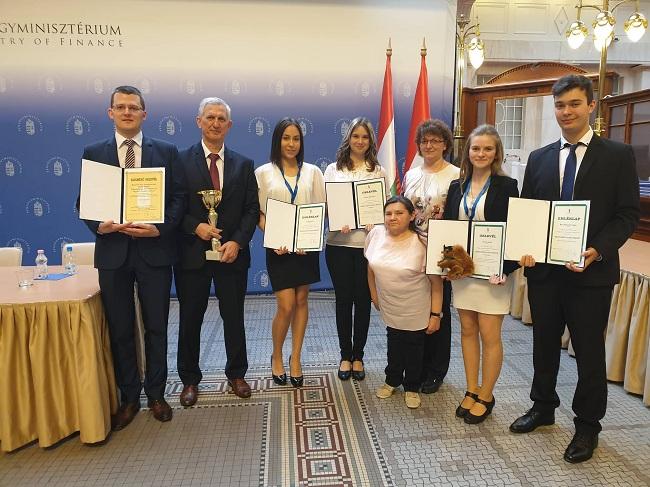 A fehérgyarmati Petőfi Sándor lett Magyarország legjobb közgazdasági iskolája