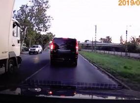 Egy autós videó alapján is eljárást indíthat a rendőrség