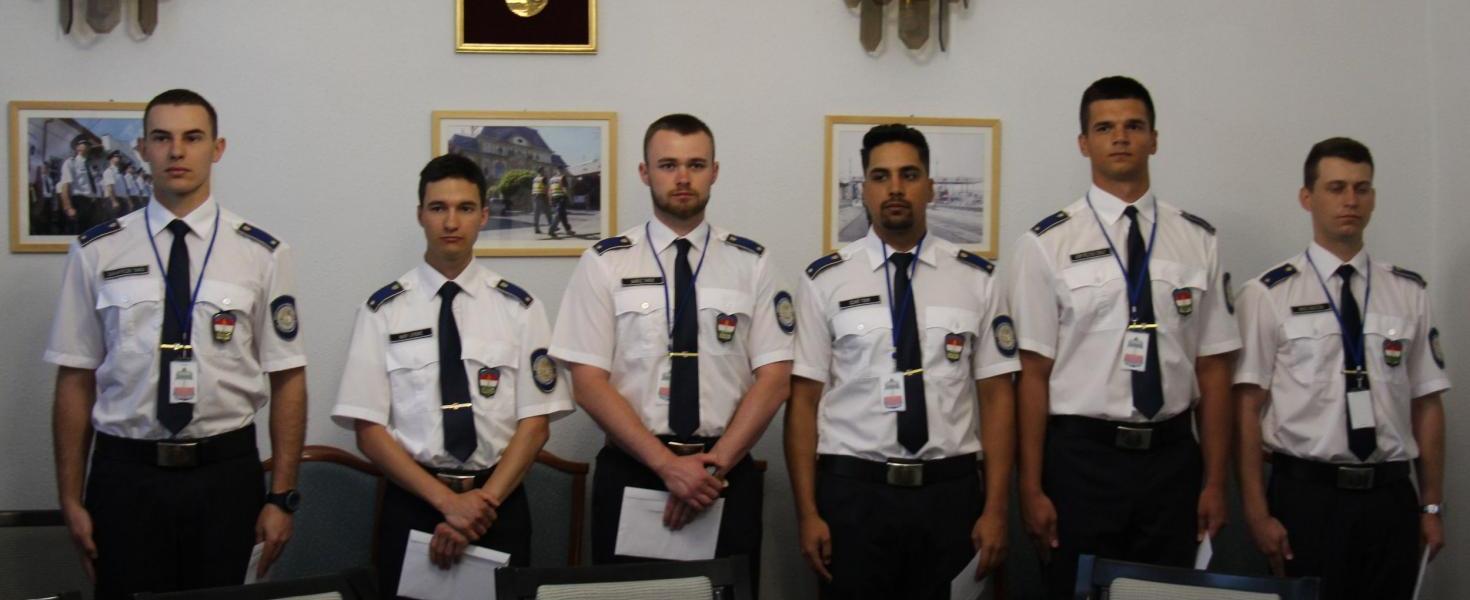 Ifjú rendőrtisztek kezdték meg szolgálatukat a Barabási- és Záhonyi Határrendészeti Kirendeltség